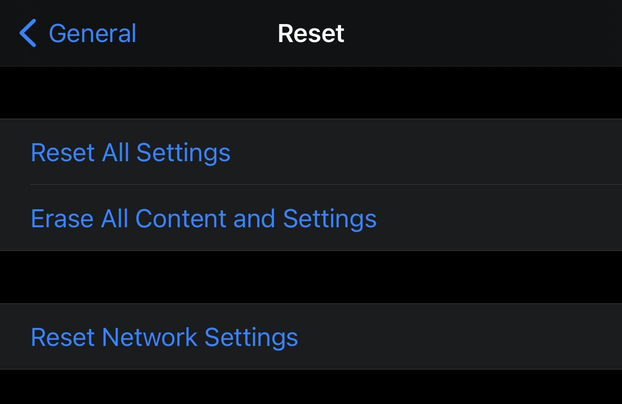 erase all settings iphone